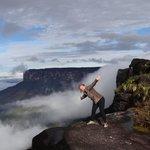 cume do Monte Roraima vista do Monte Kukenan ao fundo