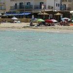 Hotel vom Meer aus
