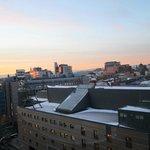 Vista da janela do quarto para o Spectrum e o centro de Oslo