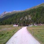 Dal sentiero verso l'Hotel Roseg Gletscher
