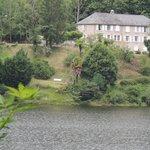 L'hôtel surplombant la Dordogne