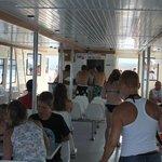 Interior del Catamaran! Con servicio de Bar