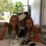 camillo met mijn dochters, ongelooflijk aardige kerel
