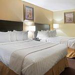 Double Queen bed room
