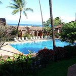 Great view of the pool and Molokai!