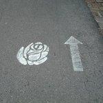 belle indication du chemin de la roseraie
