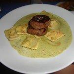 Filé curitibano (mignon com ravioli de mussarela)