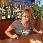 Leslie the bartender is fantastic!
