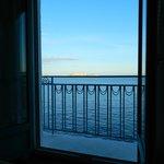 Вид из окна утром