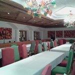Une des nombreuses salles à manger