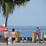 Playa a una cuadra del Hotel, El Rodadero