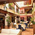 Zona interior del hotel- cafetería