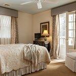 Our elegant Vanderbilt Suite