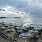 Городской пляж рядом с отелем