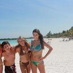 Playa zona Maya Caribe y Beach