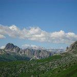 La corona delle Dolomiti attorno a passo Giau