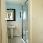 Spacious & modern en-suite facilities