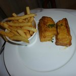 The very disappointing Monte Cristo sandwich at $27