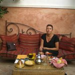 petit dej avec crepes pains marocains viennoiserie oranges pressées confitures fruits...