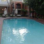 Buena piscina para el verano