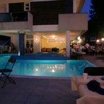 La piscina e la serata speciale
