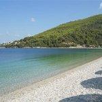 la  spiaggia di  Panormos ore  10  del  mattino a  fine  luglio 2013