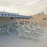 Dunes Motel Sundeck