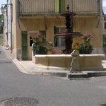 fontaine au vieux village