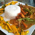 king prawns with red curry