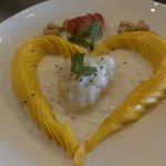 sweet coconut rice with mangos