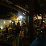 Área externa restaurante vista rua