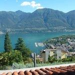 Vom Balkon aus mit Blick auf den Lago Maggiore