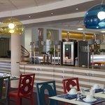Salon petit déjeuner et bar hôtel Kyriad