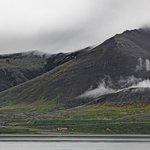 Einzigartige Lage zwischen Bucht und Bergen