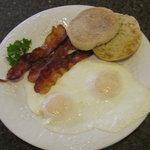 Yummy Hot Breakfast FREE