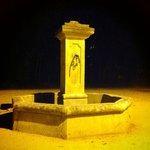 la fontaine de la Treille, typique