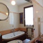 Shared Bathroom / Bagno in comune