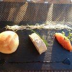 Terrine von Foie Gras und Brioche an Dattel-Ananas-Konfitüre