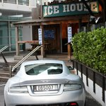 Entrance to Ice House, and my car ;o)