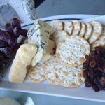 cheese plate (Motforte walzing Matilda, bleu benedictin, 4 year cheddar)