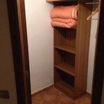 armario muy amplio