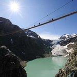Triftbrücke mit Gletscherzunge