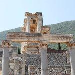 Agora columns