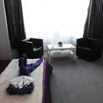 "Deluxe King Room with 46"" TV, all Sky Channels, DVD player, ipod/pad docking station & seating"