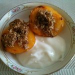 Baked Peach with Granola and Vanilla Greek Yogurt Sauce