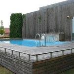 hotel open pool