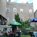Courtyard Patio at Baldachin Inn