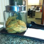 Miraculously self-filling cookie jar!