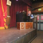 Show pianist and comedian