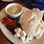 hummus and flatbread appetizer